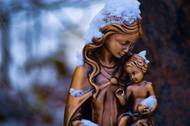 Statue of the Virgin Mary and the child Jesus
